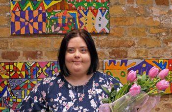 Sőrés Lívia Down-szindrómával élő alkotó művét avatta az ELTE TáTK